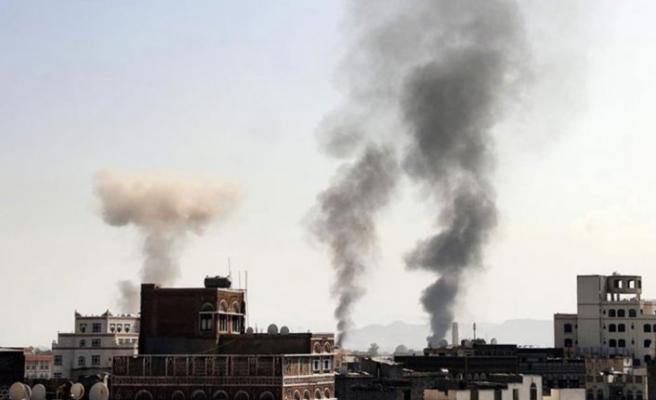 Suudi Arabistan Sana'yı Bombaladı