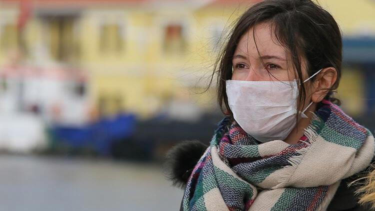 Hollanda'da maske zorunluluğu kalkıyor