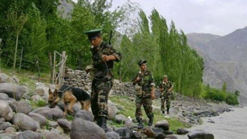 Afganistan-Tacikistan sınır kapısı Taliban'ın kontrolüne geçti