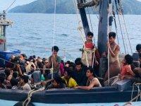 Arakanlı Müslüman aylardır denizde mahkum ediliyor