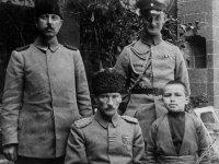 M.Kemal büyük yenilgi yaşadı ve Halep'te esir düştü