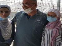 Filistinli baba 18 yaşındaki kızını ilk kez gördü