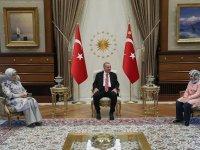 12 ayda hafız olan Ravza Nur Erdoğan ile görüştü