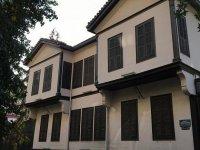 Atatürk'ün evini soykırım müzesi yapalım!