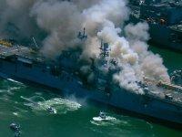 Amerikan savaş gemisi yanıyor