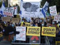 İsrail'de binlerce kişi Netanyahu'nun istifası için gösteri düzenledi