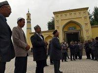 Doğu Türkistan'da 65 yaş altı namaz kılmak yasak