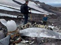 Buzulların erimesiyle 76 yıllık uçak gün yüzüne çıktı