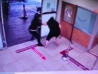 Maske takmayan kadın hastanede terör estirdi (Video Haber)