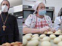 Rus Ortodokslar Azerbaycan ordusuna destek için Kilise'de yiyecek hazırlıyor