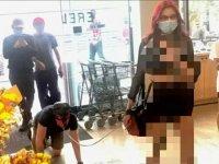 ABD'de bir kadın kölem dediği tasmalı adamla market alışverişi yaptı