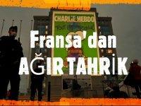 Fransa'dan ağır tahrik: Hükümet binasına Charlie Hebdo karikatürleri yansıtıldı