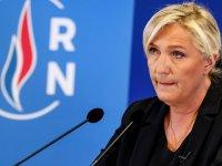 Fransız parti liderinden hadsiz açıklama: Başörtüsü yasaklansın, camiler kapatılsın