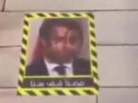 Kuveyt'te Macron'un fotoğrafı bir restoranın giriş zeminine yapıştırıldı