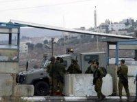 İsrail askerlerinden yeni vahşet: Ambulanstaki yaralıyı gözaltına almaya çalıştılar