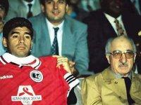 Maradona FETÖ organizasyonu ile Türkiye'ye gelip örgüt elebaşısı ile maç izledi