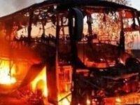 Esed'e bağlı Cumhuriyet Muhafızları'nı taşıyan otobüse roketli saldırı: 30 asker öldü