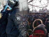 Rusya'da yönetim karşıtları sokaklara döküldü: Hırsız Putin istifa sloganları attı