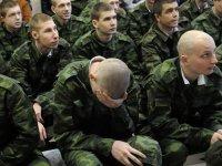 Rusya işgal ettiği Kırım'da 28 bin genci zorla silah altına aldı