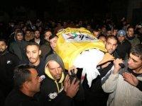 İsrail'in cezaevinde katlettiği Filistinli toprağa verildi