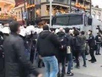 TİP'li vekil Barış Atay Boğaziçi gösterilerine destek verdi, polise saldırdı (Video)