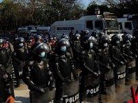 Myanmar'da askeri yönetim güvenlik güçlerinin yetkilerini artırdı