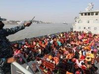 Bangladeş, tepkilere rağmen Arakanlı Müslümanları adaya gönderdi