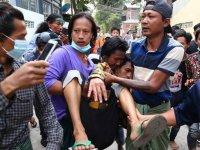 Myanmar'da güvenlik güçleri protestoculara ateş açtı: 3 ölü