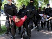 Kazakistan'da 'siyasi tutuklu' protestosu: En az 50 gözaltı