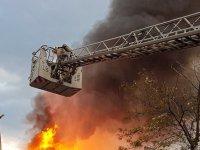 Çekmeköy'de büyük yangın