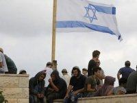 İsrailli yerleşimciler, Filistinlilere biber gazıyla saldırdı