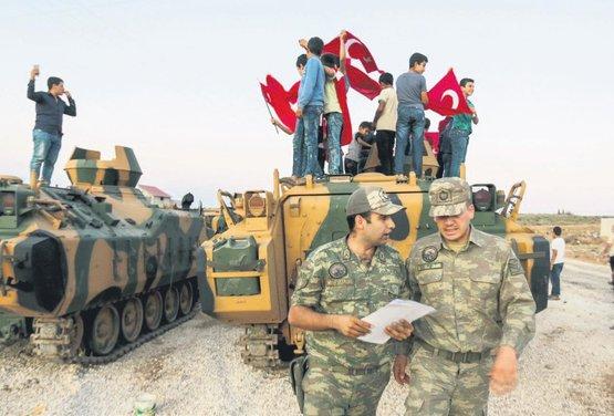0x0-turk-ordusu-idlibin-guneyine-iniyor-1508017994939.jpg